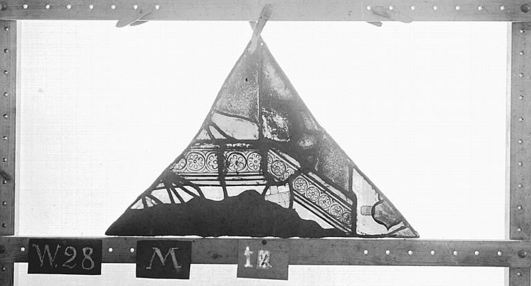 Cathédrale Vitrail, Chapelle Saint-Joseph, tympan supérieur, Légende de saint Romain, quatrième panneau, en haut, Heuzé, Henri (photographe),