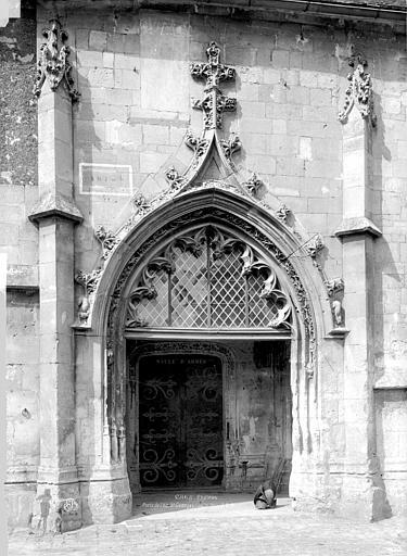 Chapelle Saint-Georges ; Château Porte latérale, Durand, Eugène (photographe),