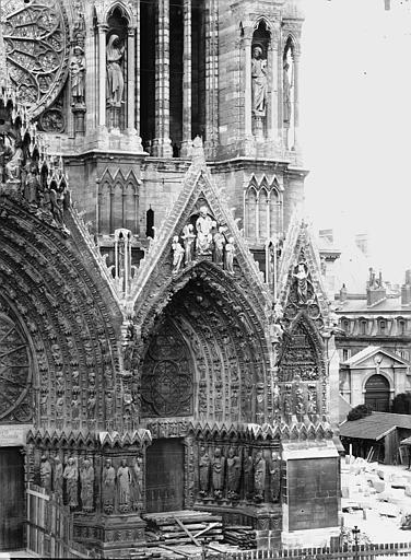 Cathédrale Notre-Dame Portail ouest, porte de droite, Lajoie, Abel,
