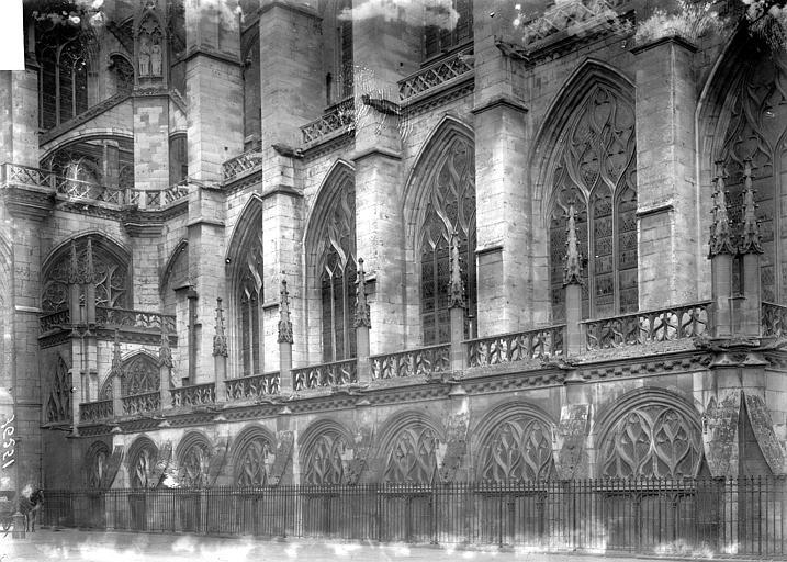 Eglise Saint-Ouen Partie latérale, tour, Enlart, Camille (historien),