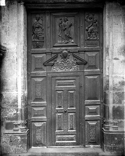Eglise Saint-Michel Portail sud de la façade ouest : Porte, Delaunay (photographe),