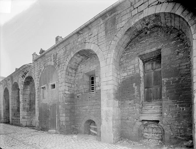 Abbaye de Clairvaux (ancienne) Cellier : façade ouest, Heuzé, Henri (photographe),