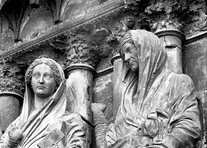 Cathédrale Notre-Dame Portail ouest, bustes de la Vierge et de sainte Elisabeth, Lajoie, Abel,