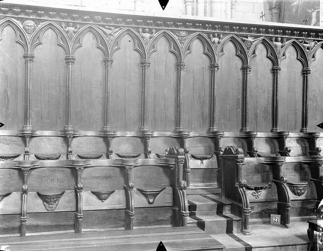 Cathédrale Saint-Pierre Stalles du choeur, détail, Gossin (photographe),