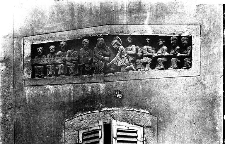 Maison Haut-relief, Enlart, Camille (historien),