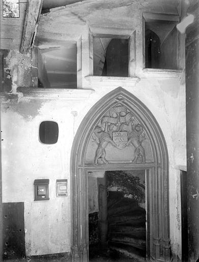 Hôtel de la Faye des Forges ou maison des Lions Porte de l'escalier, Jarron (photographe),