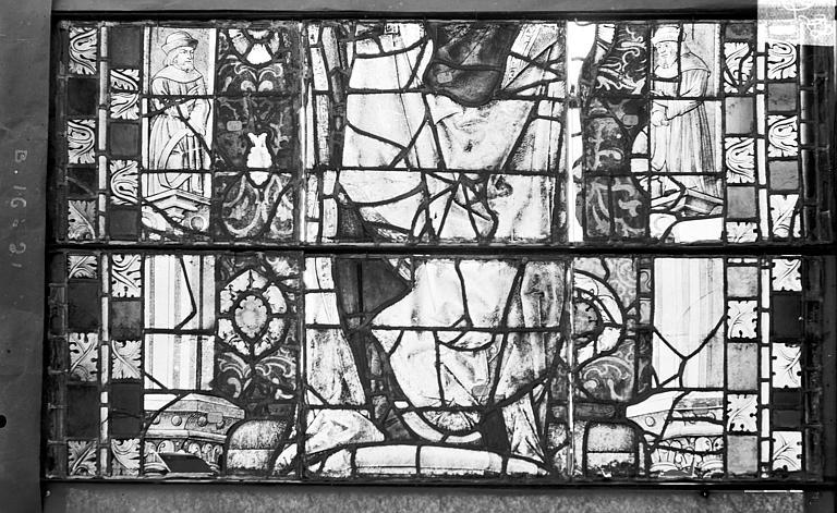Cathédrale Saint-Etienne (ancienne) Vitrail du transept nord, fenêtre B, panneau médian, Romanais (photographe),