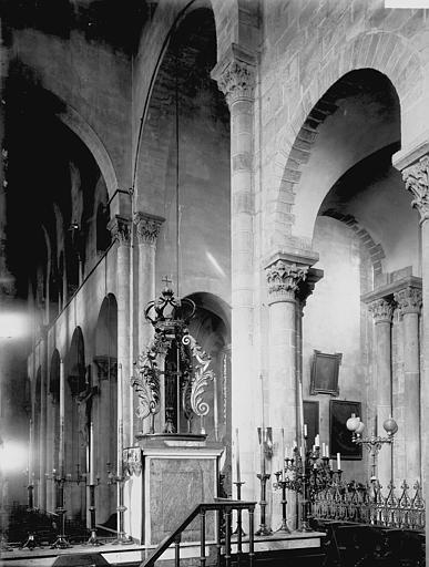 Eglise Notre-Dame-du-Port Vue diagonale du choeur, croisée, Enlart, Camille (historien),