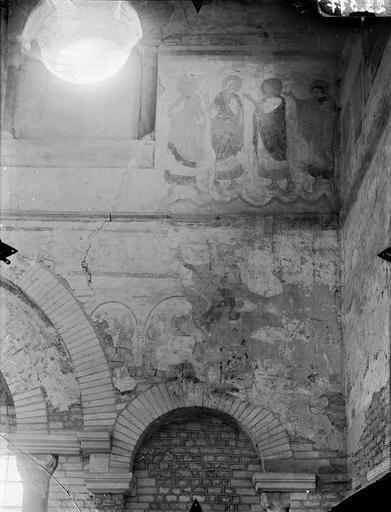 Baptistère Saint-Jean Peintures murales, Gossin (photographe),