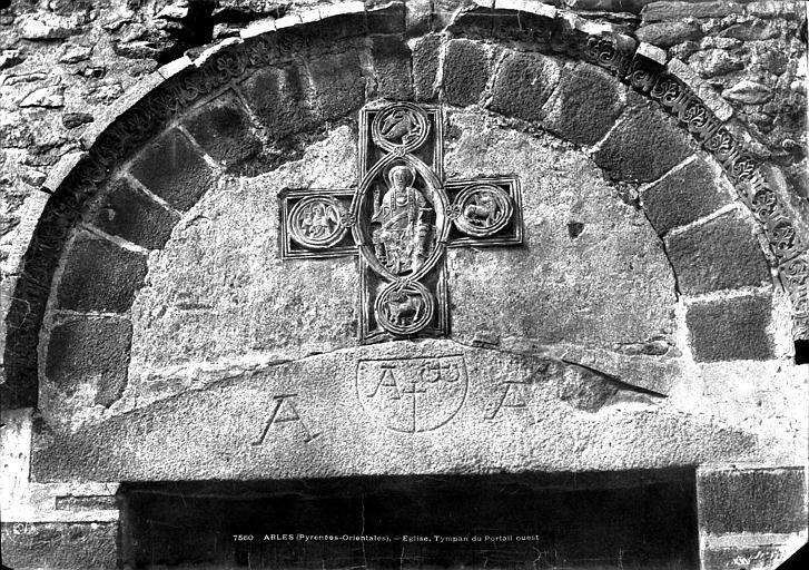 Abbaye Eglise : tympan du portail ouest, Mestral ; Le Gray, Gustave (photographe),