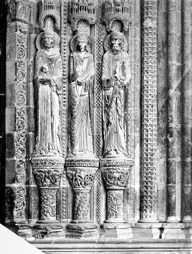 Cathédrale Saint-Etienne Portail de la façade sud : statues de l'ébrasement droit, Mieusement, Médéric (photographe),