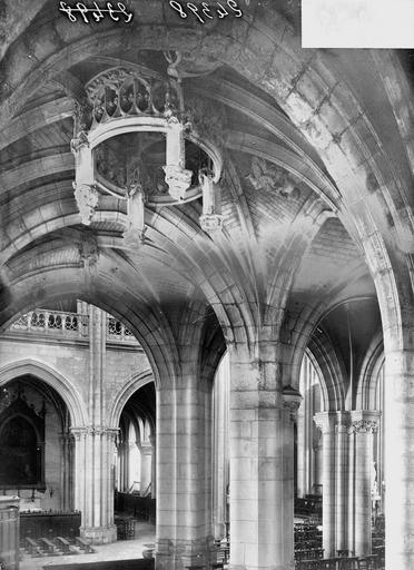 Cathédrale (ancienne) Chapelle nord, clef de voûte, Heuzé, Y.,