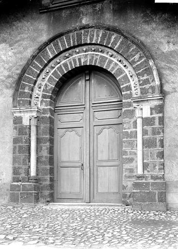 Eglise Notre-Dame Portail, Enlart, Camille (historien),