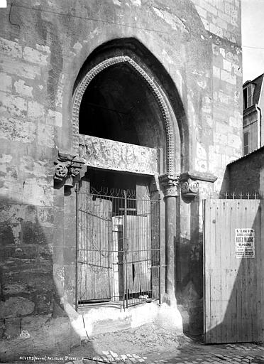 Eglise Saint-Genest (ancienne) Portail sud, Robert, Paul (photographe),