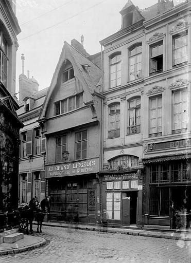 Maisons Façades: vue diagonale, Enlart, Camille (historien),
