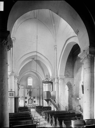 Eglise Nef, vue du choeur, Heuzé, Henri (photographe),