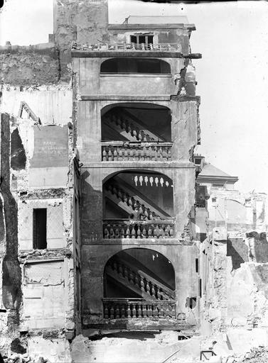 Maison (ancienne) Escalier, Durand, Eugène (photographe),