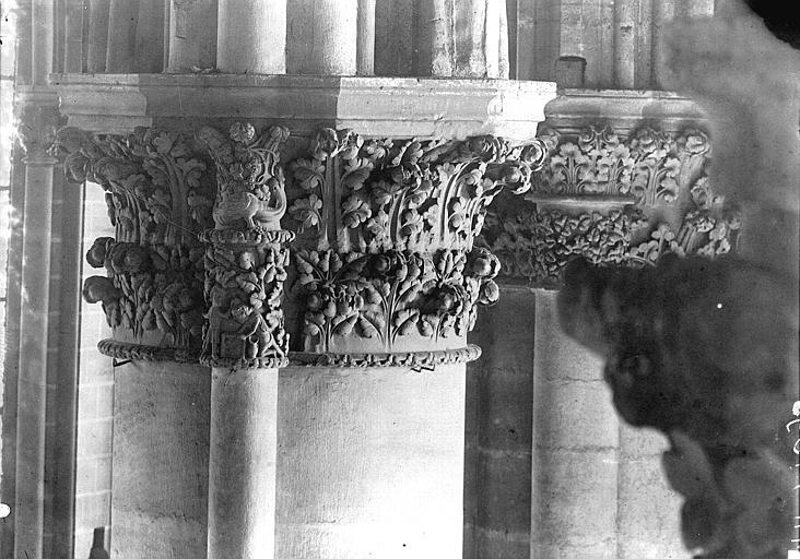 Cathédrale Notre-Dame Chapiteau, cinquième pilier du choeur à gauche, Lajoie, Abel,