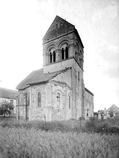 Eglise des Istres Ensemble nord-est, Heuzé, Henri (photographe),
