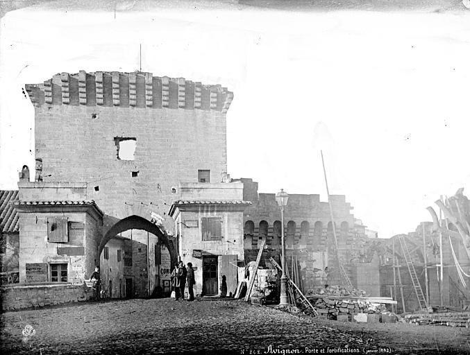 Remparts Porte et fortifications, personnages, Mieusement, Médéric (photographe),