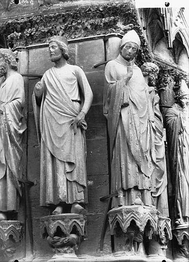 Cathédrale Notre-Dame Portail ouest, deux statues, ébrasement gauche de la porte sud, Lajoie, Abel,