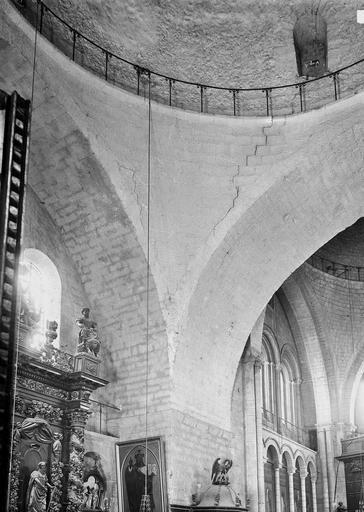 Eglise Saint-Etienne-de-la-Cité Coupole, pendentif, Durand, Eugène (photographe),