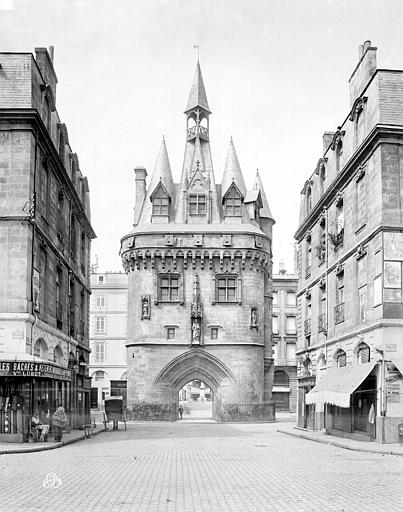 Porte du Palais (ou Porte Cailhau) , Neurdein Frères (photographes),
