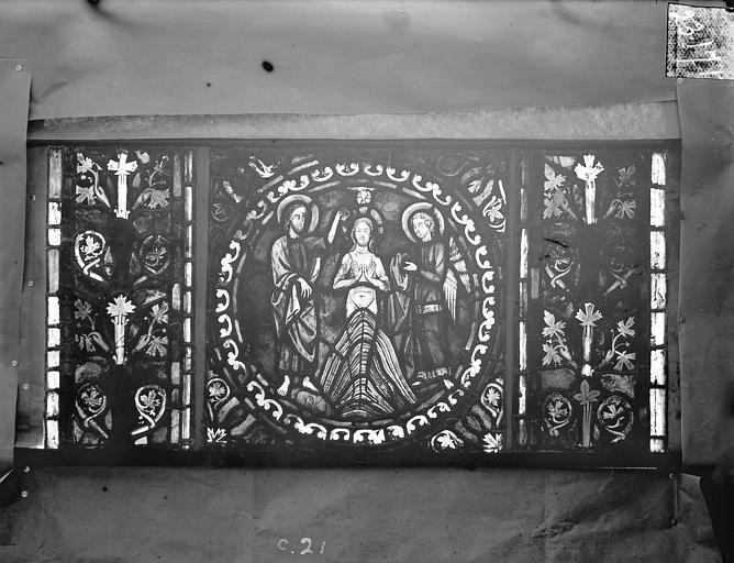 Eglise Saint-Gengoult Vitrail de l'abside, lancette de droite, panneau 22, Romanais (photographe),