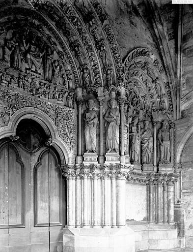Eglise Saint-Seurin Portail: partie droite, Enlart, Camille (historien),