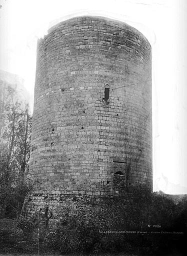 Donjon , Durand, Eugène (photographe),