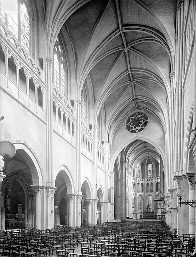 Cathédrale Saint-Vincent (ancienne) Vue intérieure de la nef vers le nord-est, Heuzé, Henri (photographe),