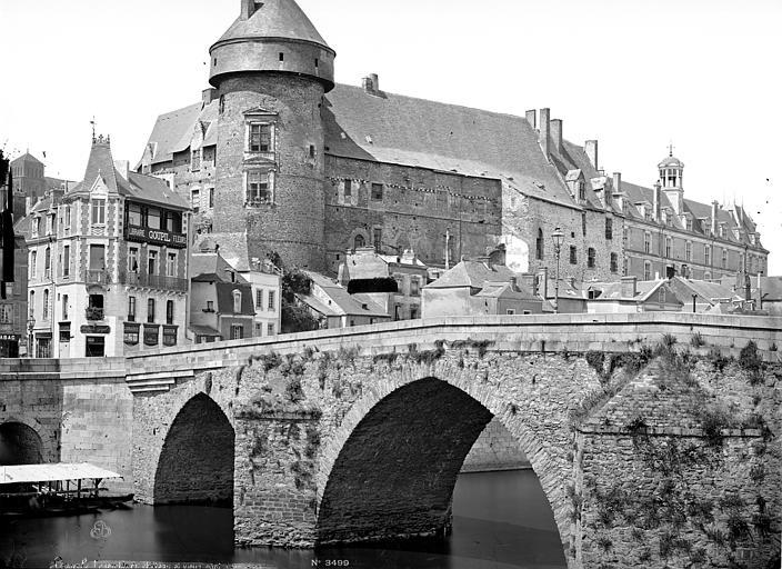 Château Vue d'ensemble avec le pont, Mieusement, Médéric (photographe),