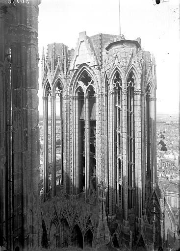 Cathédrale Notre-Dame Partie supérieure de la tour nord, en hauteur, Lajoie, Abel,