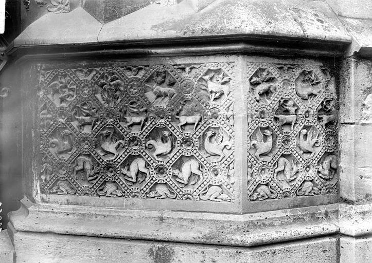 Cathédrale Notre-Dame Soubassement et portail nord, Enlart, Camille (historien),