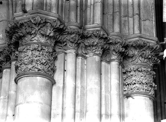 Cathédrale Notre-Dame Chapiteau du premier pilier de la nef, à droite, Lajoie, Abel,