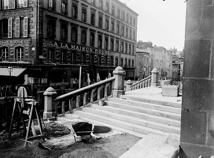 Cathédrale Notre-Dame Détail des degrés, Chaine, Henri (architecte),
