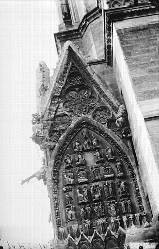 Cathédrale Notre-Dame Pignon décoré à la partie inférieure de la tour sud, Histoire de saint Jean, Lajoie, Abel,