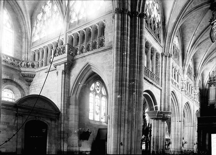 Eglise Saint-Taurin Croisée du transept, Enlart, Camille (historien),