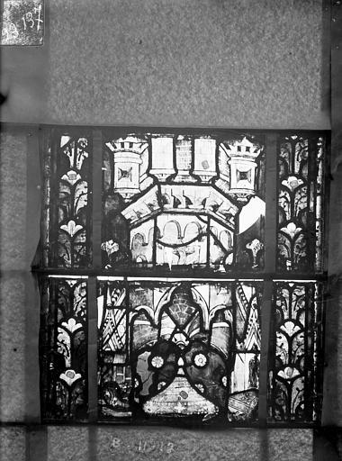 Eglise Saint-Gengoult Vitrail du transept nord, fenêtre B, 2ème lancette à gauche, panneaux au dessus 11, 12, Romanais (photographe),