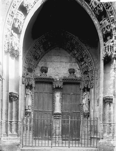 Collégiale Notre-Dame Portail, Enlart, Camille (historien),