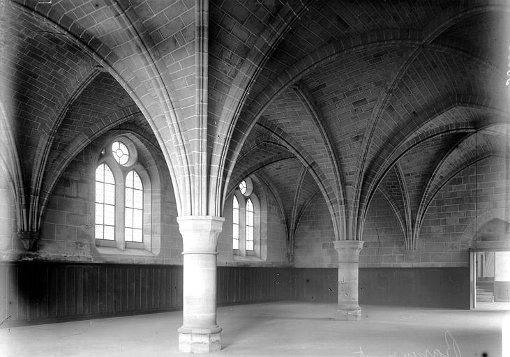 Abbaye Salle, Enlart, Camille (historien),