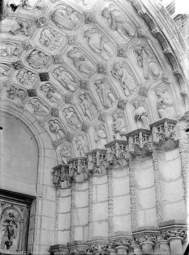 Eglise Saint-Michel Portail nord de la façade ouest : Voussures de droite, Gossin (photographe),