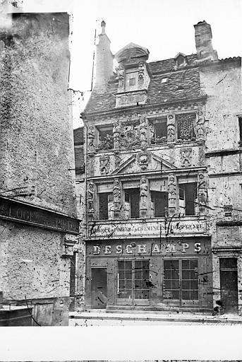Maison dite des Cariatides ou Maison Pouffier Vue d'ensemble, Delaunay (photographe),
