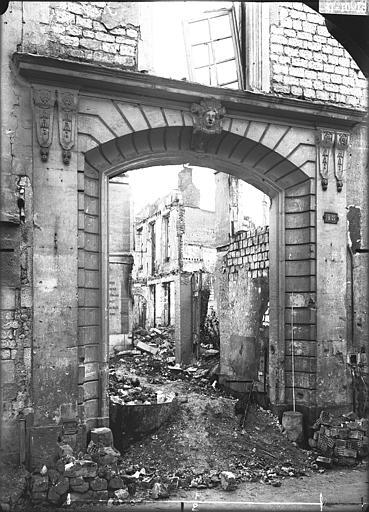 Maison Porte, Verneau, G.,