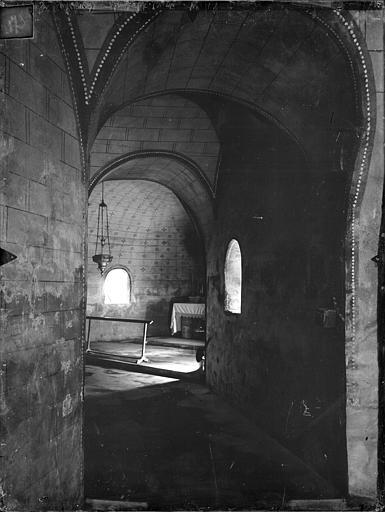 Eglise Sainte-Radegonde Crypte, Gossin (photographe),