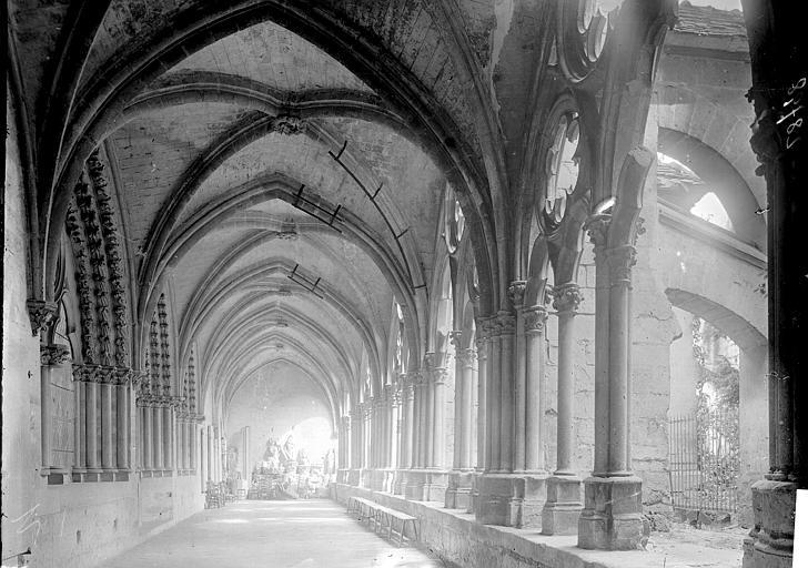 Cathédrale Notre-Dame Cloître: galerie, Enlart, Camille (historien),