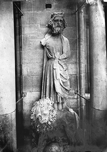 Cathédrale Notre-Dame Statue de roi dit Pépin le Bref, Lajoie, Abel,