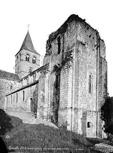 Abbaye de Graville-Sainte-Honorine (ancienne) Ensemble nord-ouest : tour et clocher, Mieusement, Médéric (photographe),