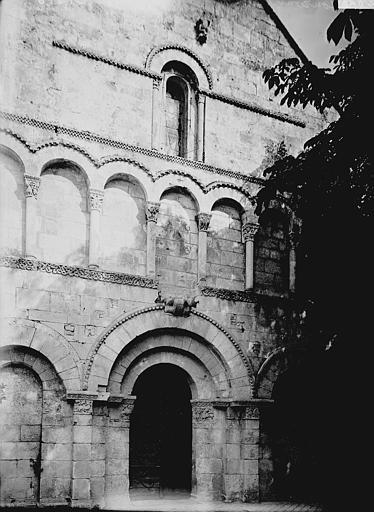 Eglise Saint-Jean-Baptiste Façade ouest, Enlart, Camille (historien),