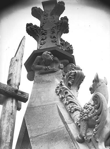 Cathédrale Notre-Dame Bague de fleuron, bras nord transept, Lajoie, Abel,
